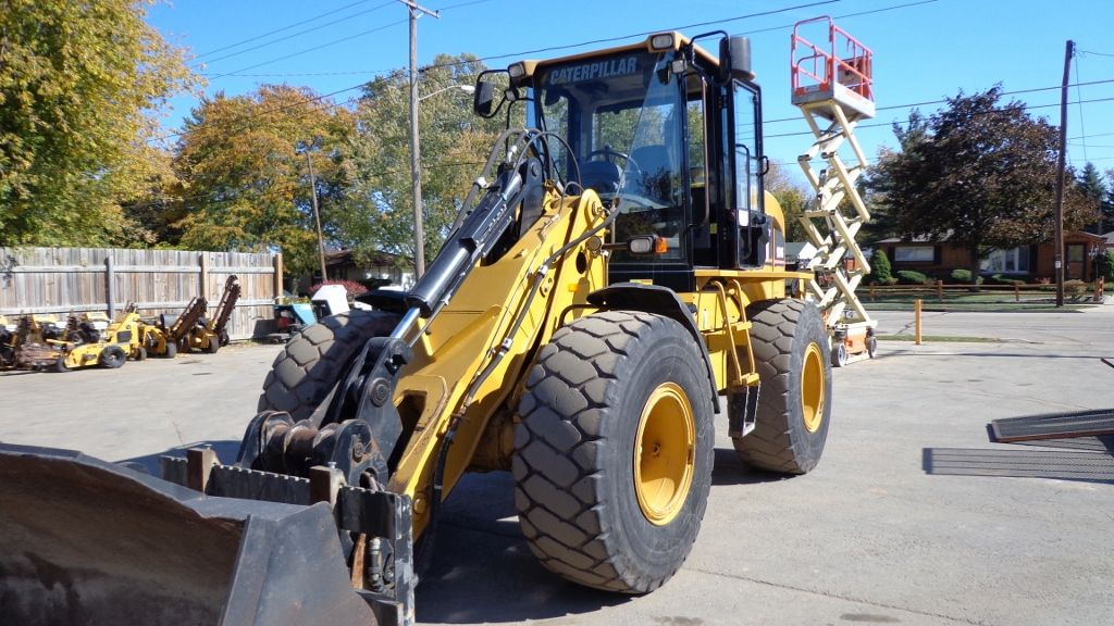 2007 Cat Wheel Loader Model 924G Cab Heat Air Forks and Bucket